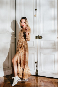 ROBE NEREA ORANGE ET OR