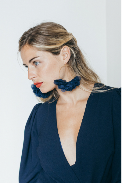 NAVY BLUE GRACE EARRINGS