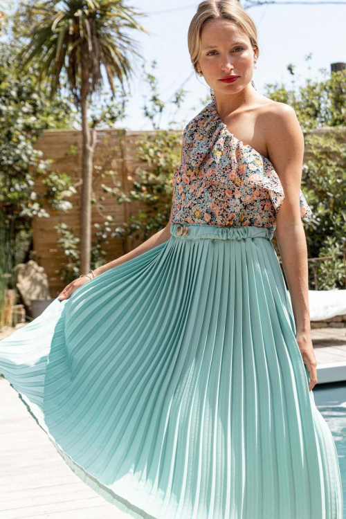 PALE GREEN PLEATED SKIRT